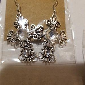 Jewelry - Clear gemstone antiqued earings